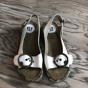 Fly London Tram white size US7